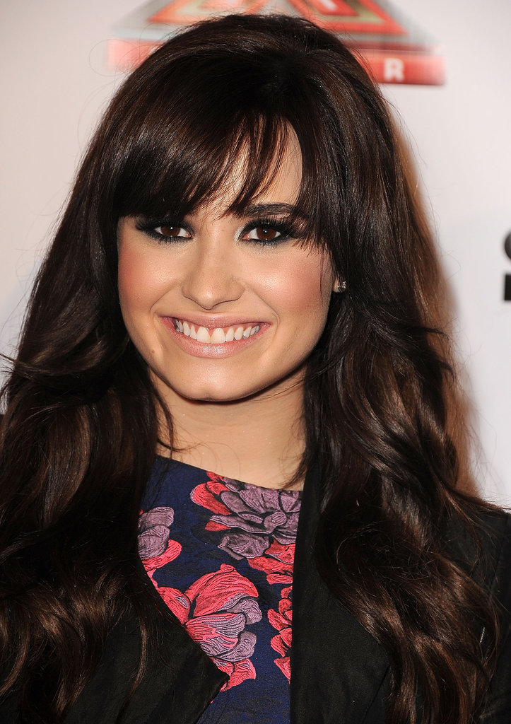 Demi Lovato modeled a bold eye for last night's show.
