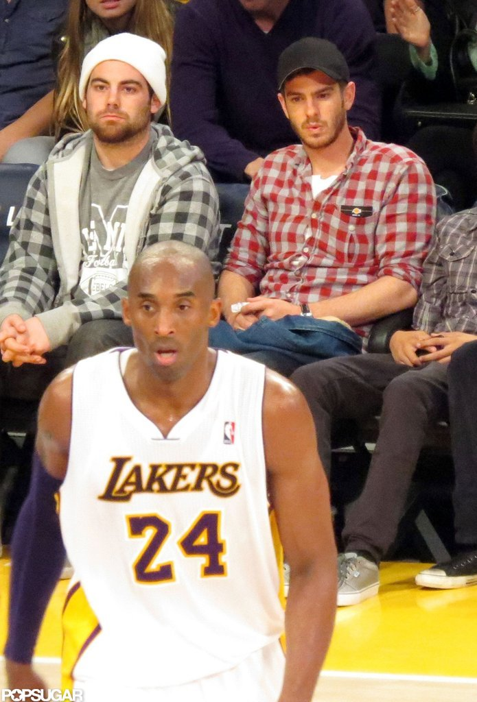 Andrew Garfield Snags a Courtside Seat at the Lakers Game