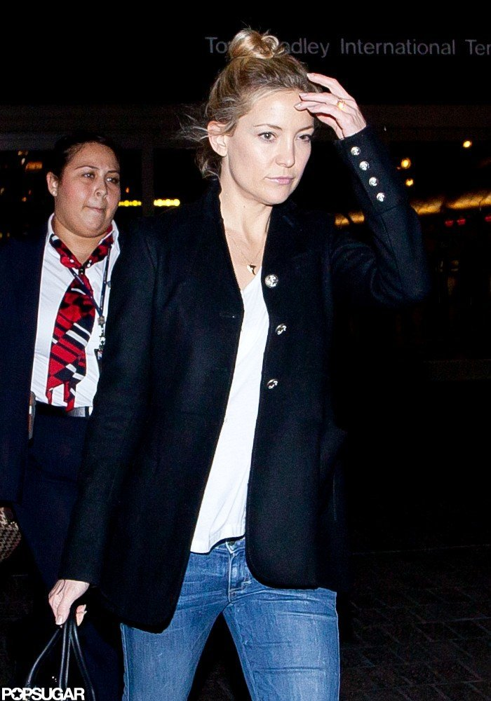 "Kate Hudson Ditches ""Fussy Makeup"" For a Low-Key Trip Home"