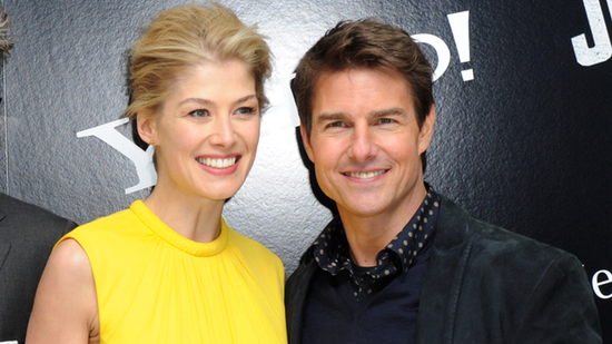 Video: Tom Cruise Debuts Jack Reacher and Talks Holidays With Suri