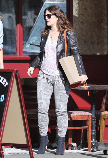 Drew Barrymore wore camoflauge skinny jeans to have a lunch with a friend in LA.