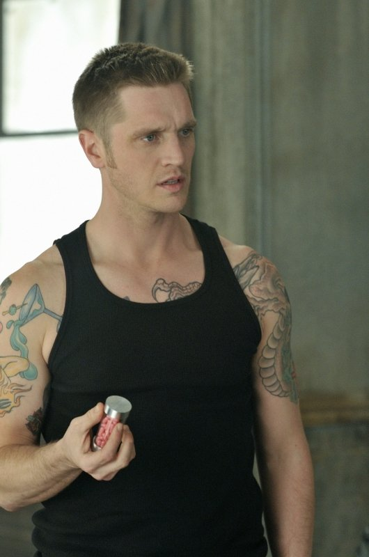 Devon Sawa in Nikita