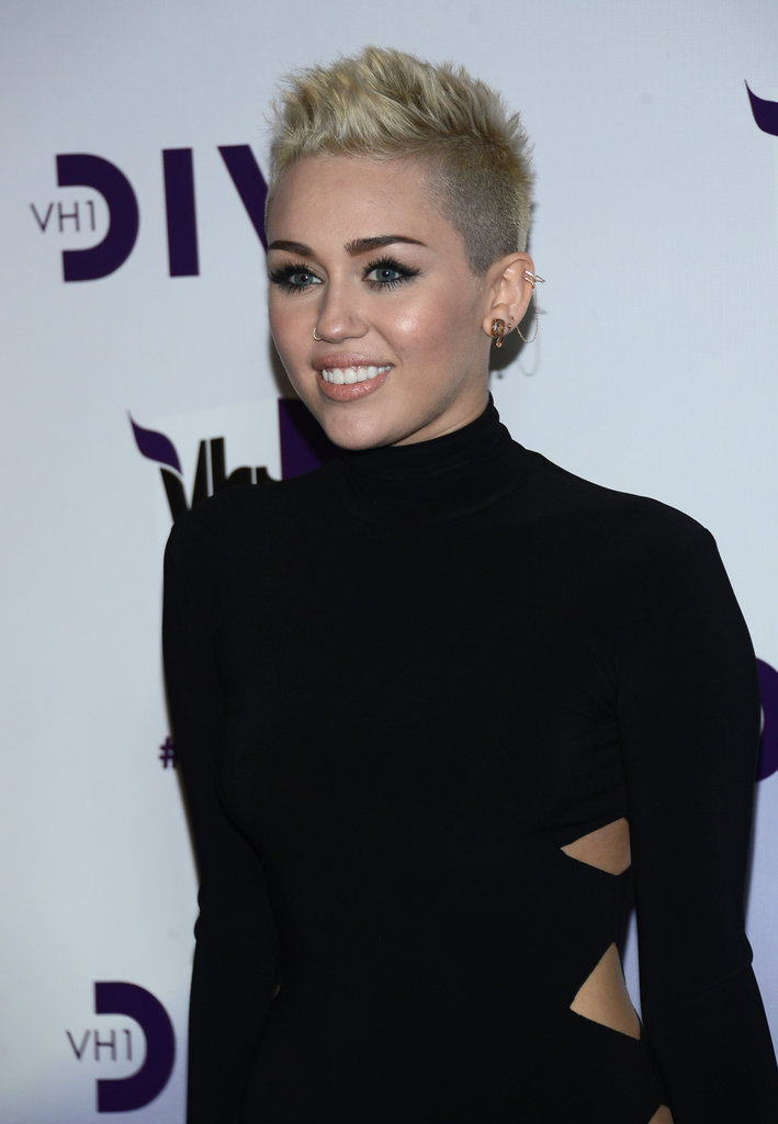 Miley Cyrus posed on the red carpet.