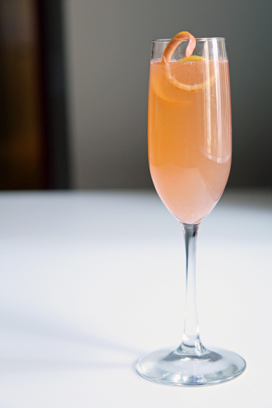 Grapefruit champagne cocktail popsugar food for Champagne mixed drinks
