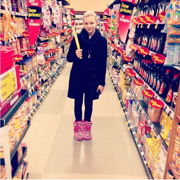 Chloë Moretz wore slippers while shopping at the grocery store. Source: Instagram user cmoretz