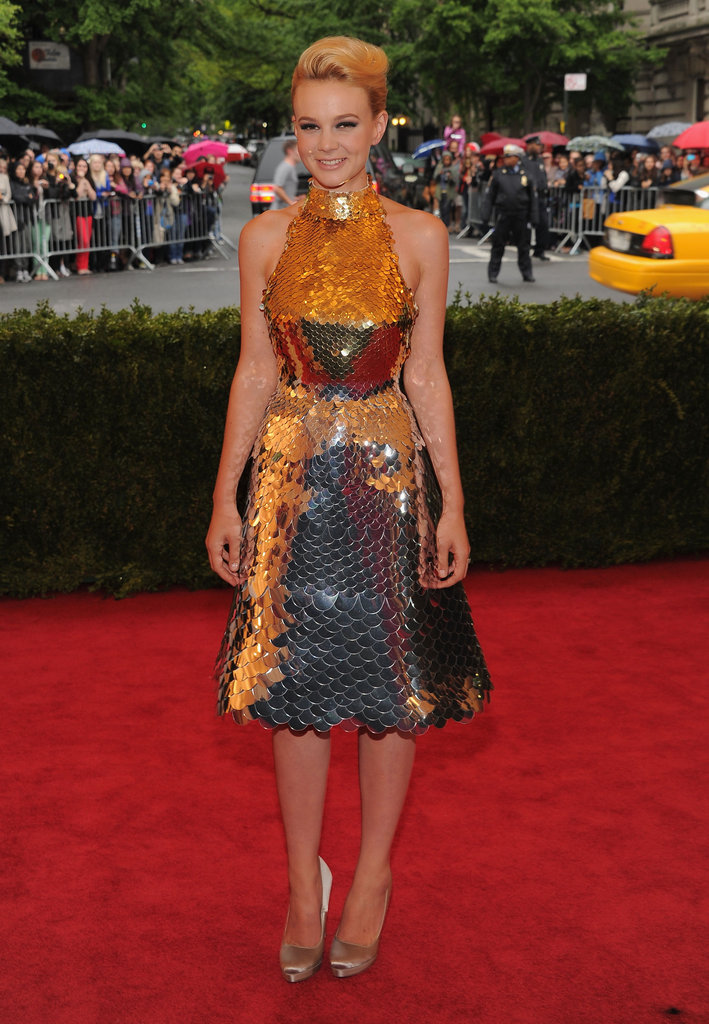 Carey Mulligan shined in a mermaid-like Prada dress of armor at the Met Gala. While we loved this look, we also know this is an extremely tough, interesting, and totally dynamic look to pull off.