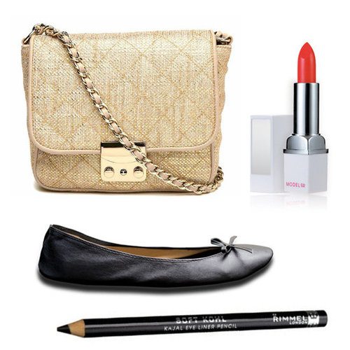 What to Pack in a Small Party Bag or Clutch For a Night Out