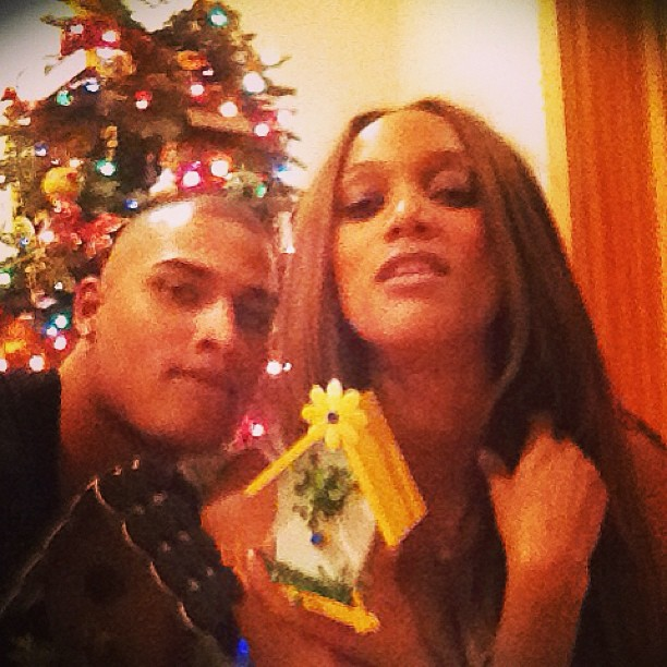Tyra Banks and Rob Evans exchanged Christmas presents. Sou