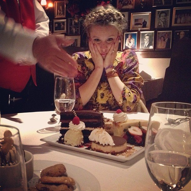 Mum-to-be Kristen Bell couldn't believe her eyes upon seeing a dessert plate. Source: Instagram user rejectedjokes