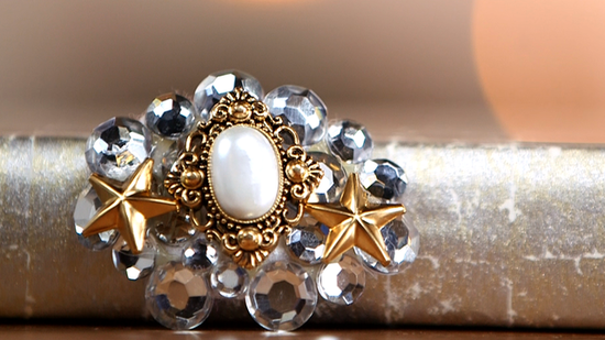 Create Your Own Vintage-Inspired Brooch!