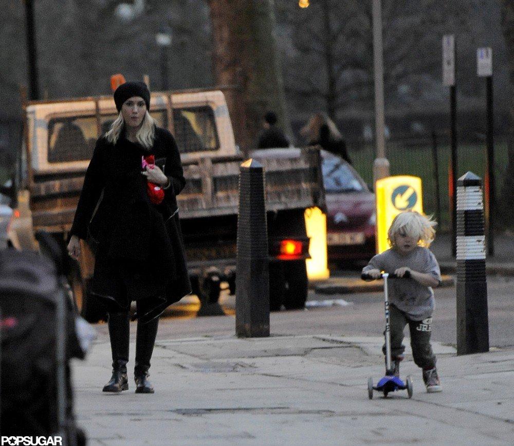 Gwen Stefani watched Zuma Rossdale scooter around London.