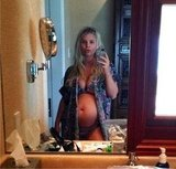Jessica Simpson showed off her baby bump while on vacation in Hawaii (and confirmed her second pregnancy during the trip). Source: Twitter user JessicaSimpson