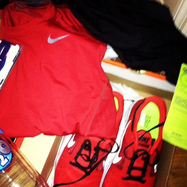 We can't help but love bright Nike gear — especially during these darker Winter months. Source: Instagram user the17thman