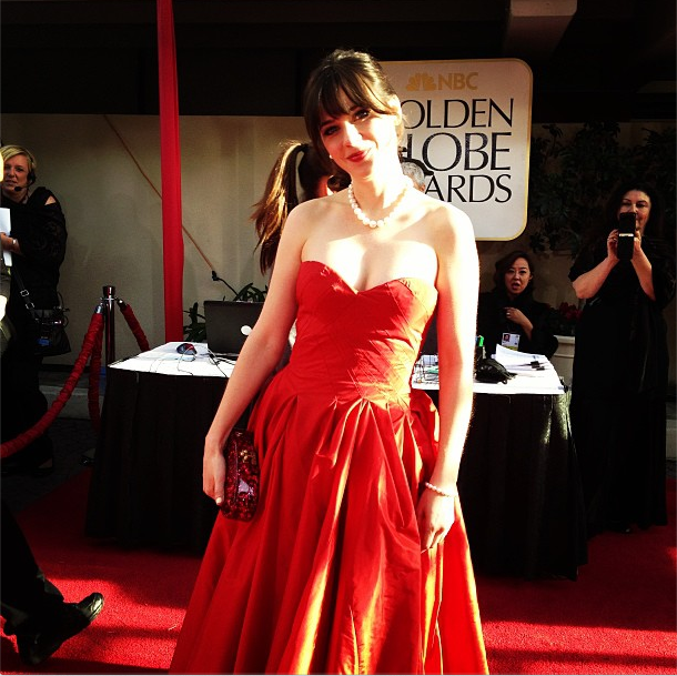 Zooey Deschanel Goes Red in Oscar de la Renta