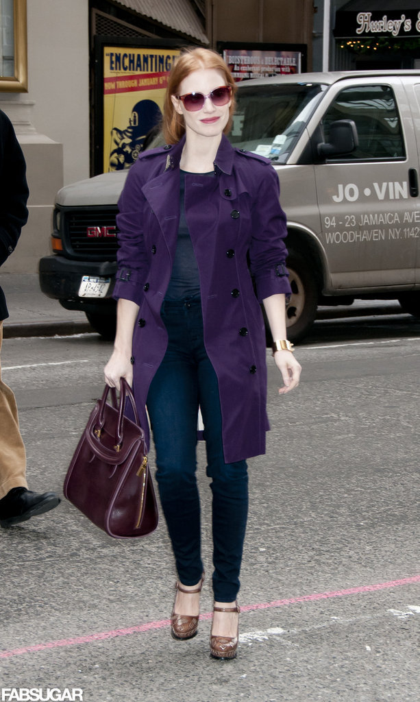 Jessica took purple in the chicest direction, styling her plum Burberry Queensbury trench coat with a basic top and jeans. And if that were enough, she added a matching plum-hued Alexander McQueen Heroine bag and Prada Mary Janes.