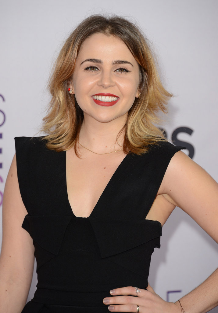 Mae Whitman Photos