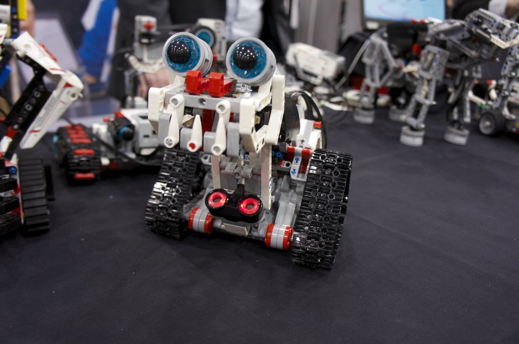LEGO Mindstorms EV3 Preps Kid Programmers For the Mobile World