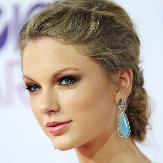 Taylor Swift, Jennifer Lawrence, and More of the Best People's Choice Beauty Looks