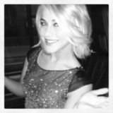 Julianne Hough shared a photo while en route to the People's Choice Awards. Source: Instagram user juleshough