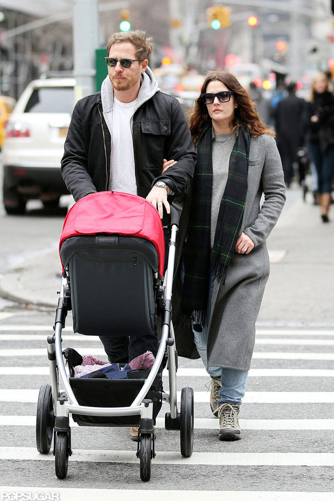 Drew Barrymore and Will Kopelman linked arms as they crossed the street with Olive Kopelman.