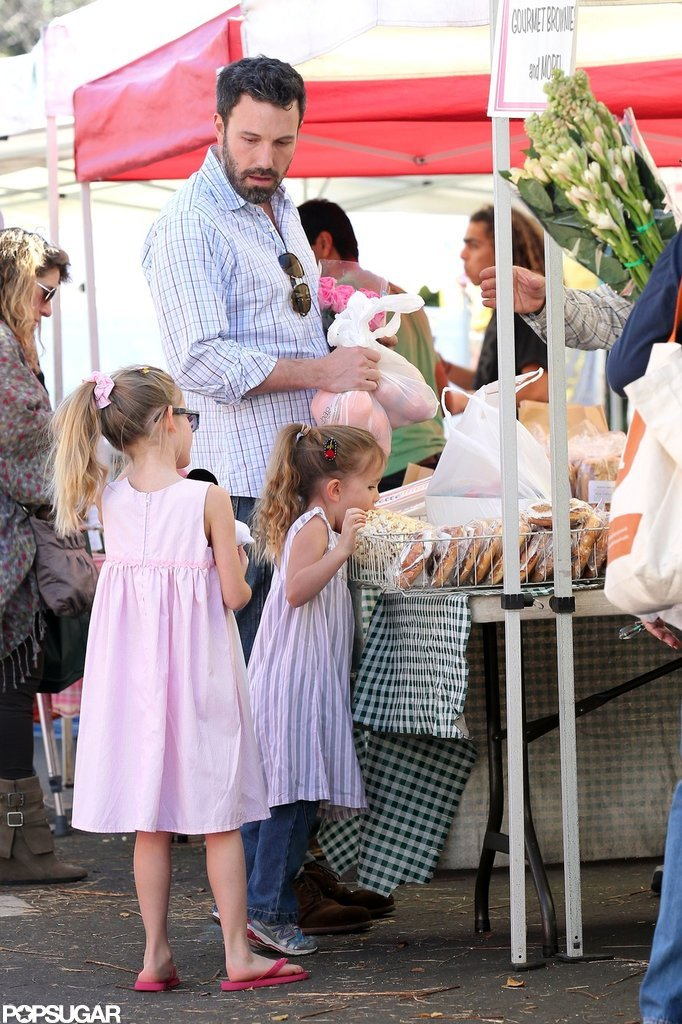 Ben Affleck took Violet and Sera out to the farmers market in LA.