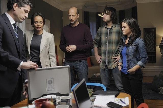 Nick Baillie, Addison Timlin, Scott Michael Foster, Carmen Ejogo, and Anthony Edwards in Zero Hour.