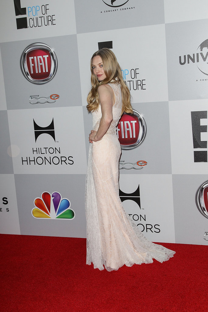 Amanda Seyfried showed off her figure on the red carpet.