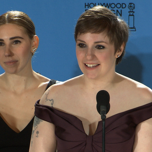 Lena Dunham Golden Globes Backstage Interview (Video)