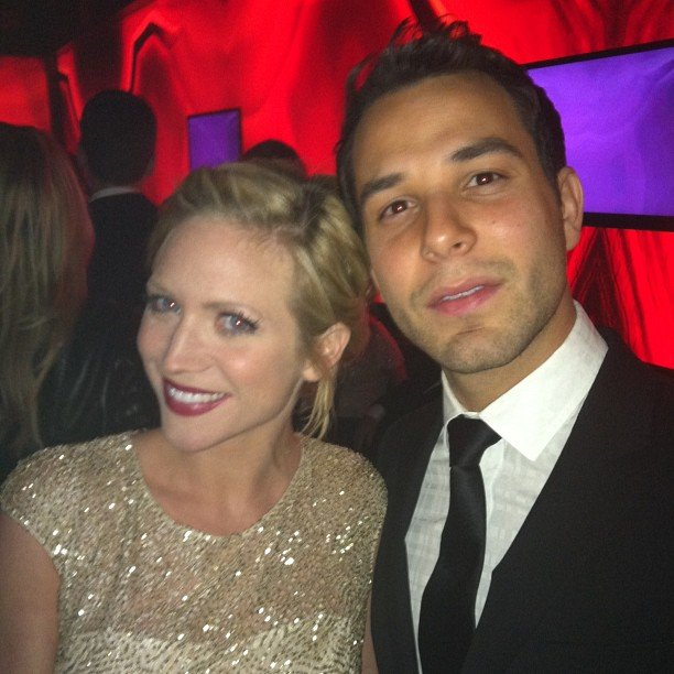 Pitch Perfect costars Brittany Snow and Skylar Astin took a quick pic at a Golden Globe Awards party. Source: Instagram user SkylarAstin