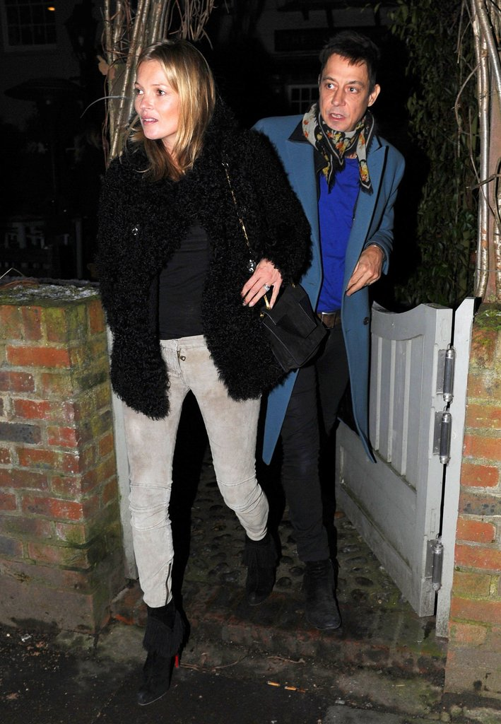 Kate Moss Celebrates Her 39th Birthday at a Low-Key Pub Dinner With Jamie Hince