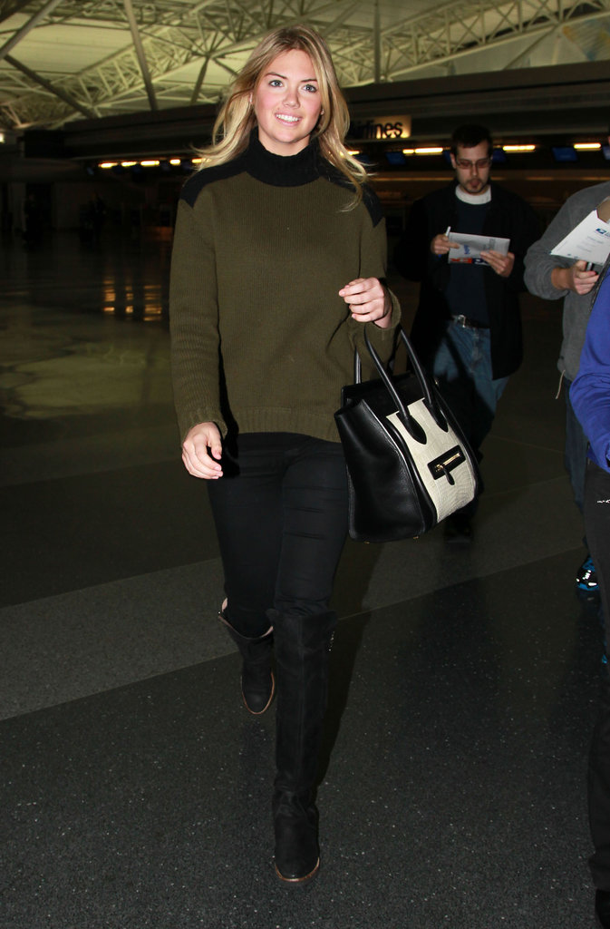 Kate Upton's colorblocked genius can be attributed directly to her classic olive-green-and-black sweater and her black-and-white Céline tote.