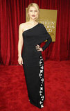 Claire Danes sported dark lips on the red carpet at the SAG Awards.