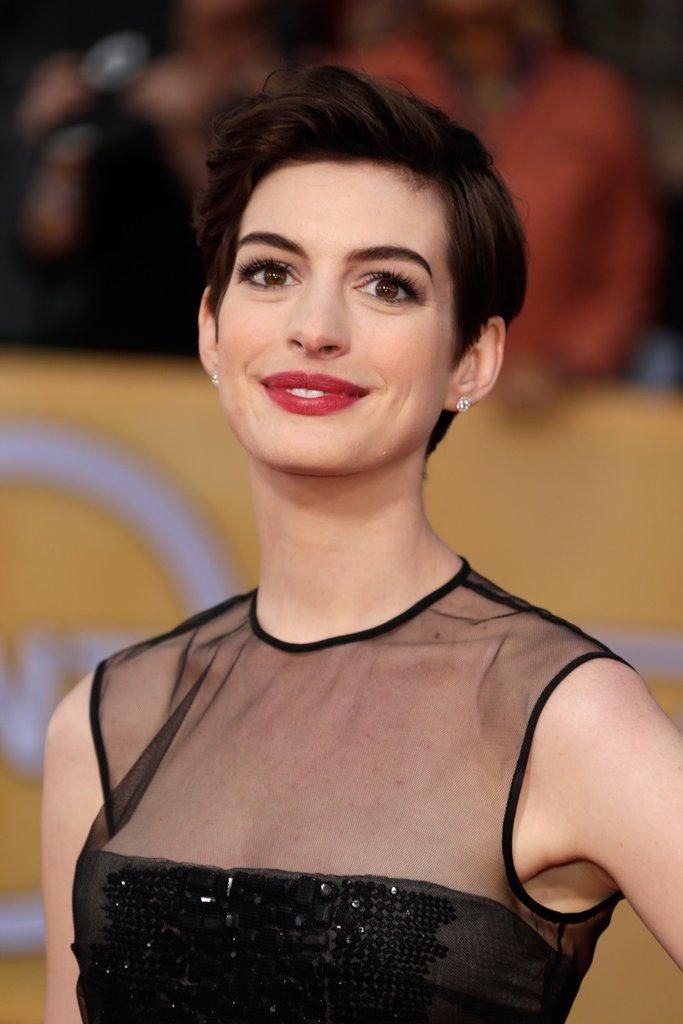 Anne Hathaway Photos