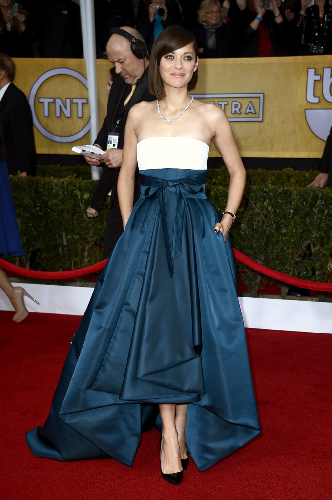 Marion Cotillard Gets Tied Up in Dior at the SAG Awards