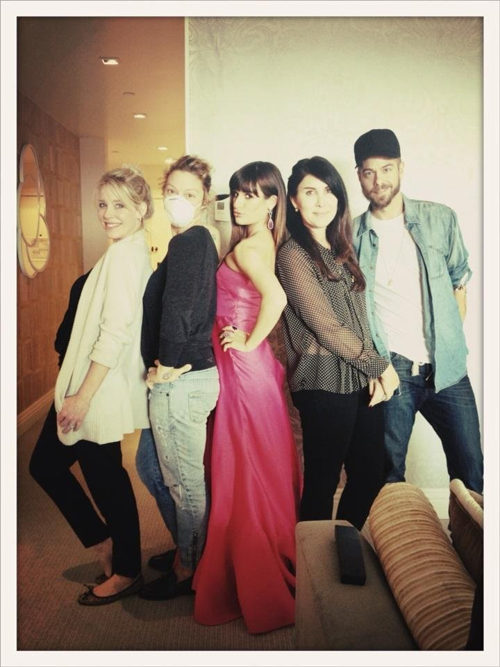 Lea Michele strikes a pose with her team. Source: Twitter user msleamichele