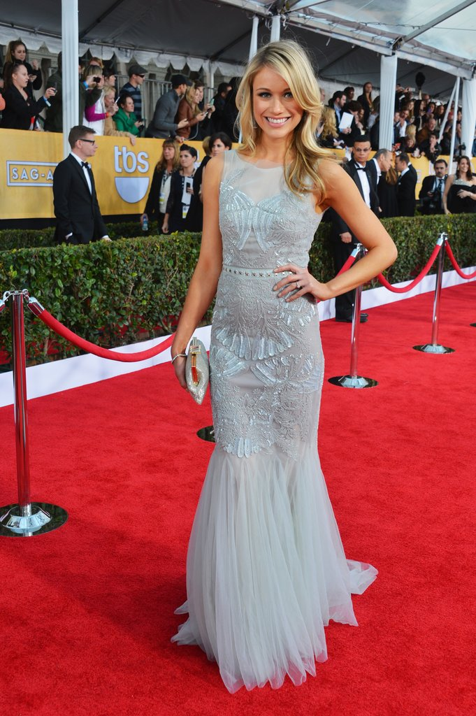 Katrina Bowden stunned in a structured icy blueBadgley Mischka confection with perfect curls and au natural make-up.