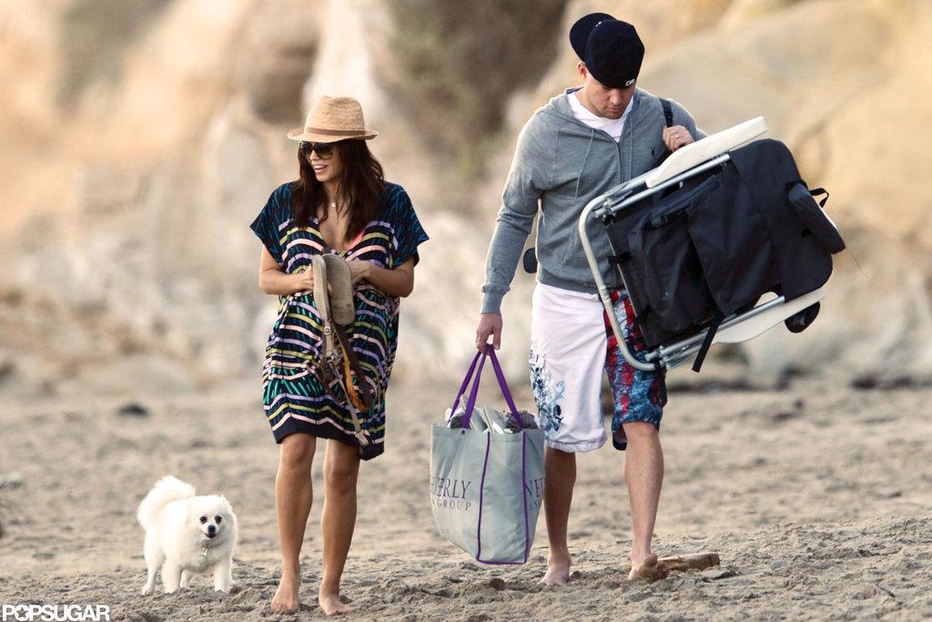 Channing Tatum and Jenna Dewan walked along the beach.