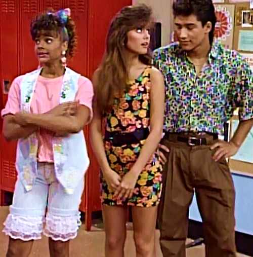 Bayside must have had zero dress code, because a teeny-tiny, floral body-con dress would not have been appreciated at our high school. Unsurprisingly, Kelly nails it. Also, sweet lace shorts, Lisa! Source: Tumblr user savedbythebellsabrina