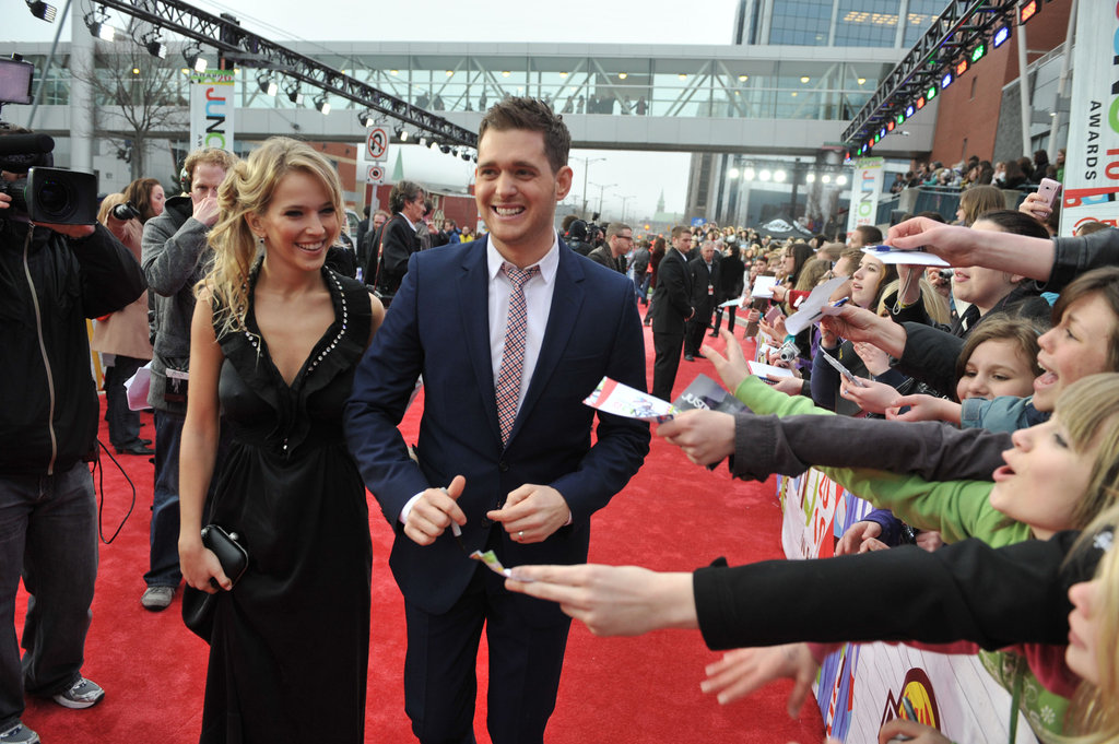 Michael Bublé and Luisana Lopilato walked the carpet together at the April 2010 Juno Awards in Canada.