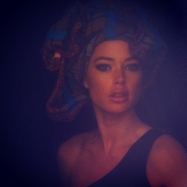 Doutzen Kroes sported a head wrap for a photo shoot. Source: Instagram user doutzenkroes1