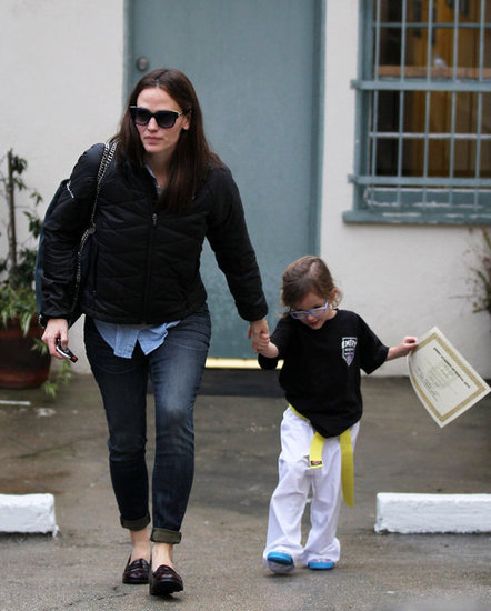 Jennifer Garner brought Seraphina back to their car.