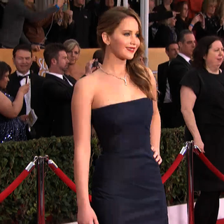 Jennifer Lawrence at SAG Awards 2013 (Video)