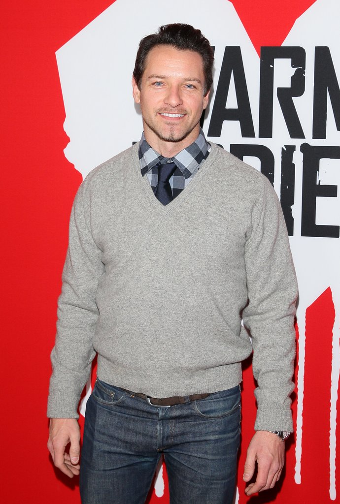 Ian Bohen wore a sweater to the Warm Bodies premiere.