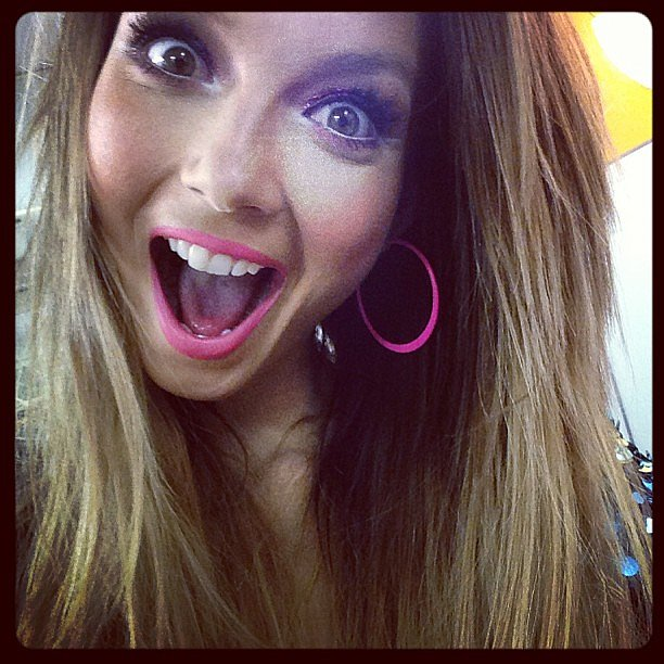 Ricki-Lee showed off her loooong lashes with this funny face.  Source: Instagram user therickilee