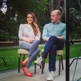 Jessica Alba wore a bright pair of pumps while doing some press with Rob Corddry. Source: Instagram user jessicaalba