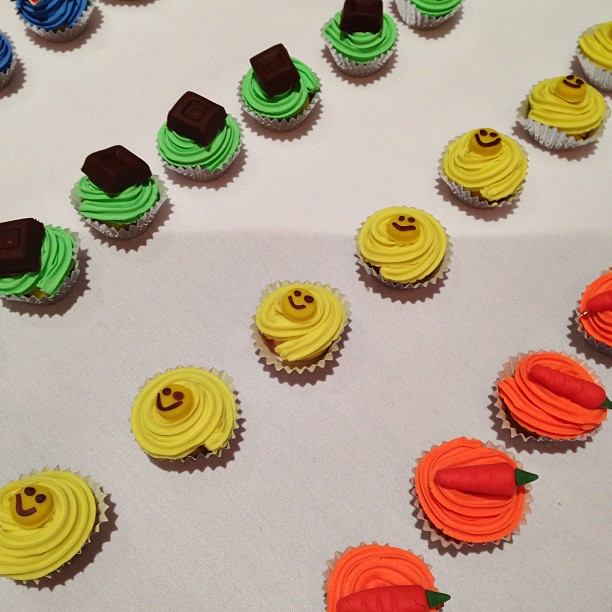 These super-realistic-looking cupcakes were made using Play-Doh's newest product — Play-Doh Plus.