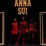 Anna Sui Fall 2013 Runway (Video)