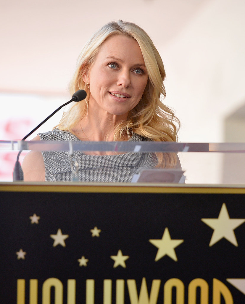 Naomi Watts gave a short speech before presenting Simon Baker with his honor.