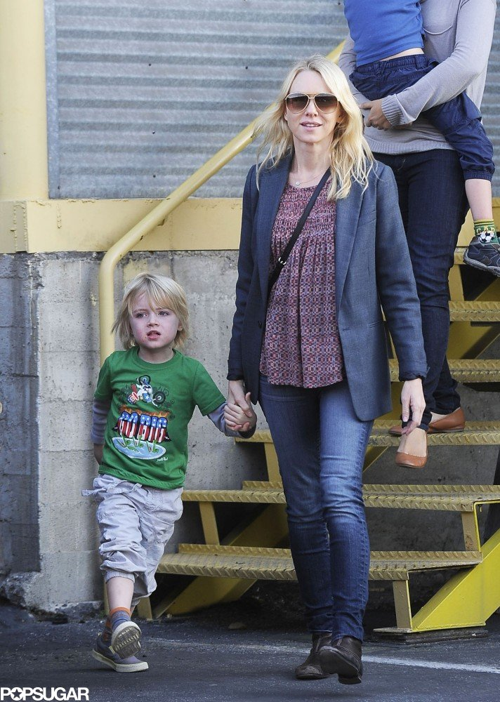 Naomi Watts ran an errand with her sons.