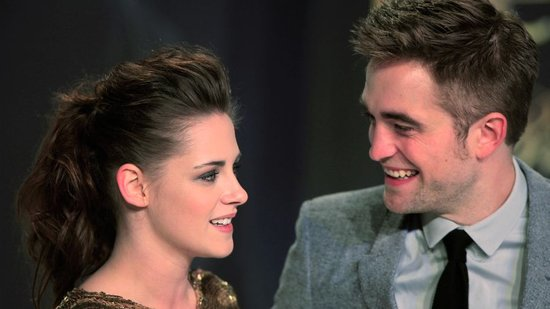 Video: Why Kristen and Rob Didn't Spend Valentine's Day Together, a Downton Abbey Rebel, and More!